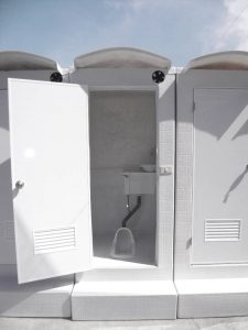 排放式流動廁所2